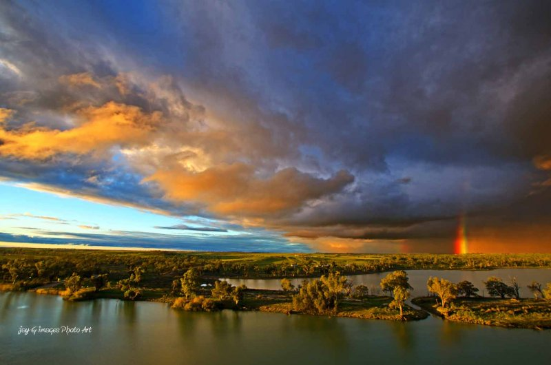 Sunset & rainbow Waikerie lookout tower