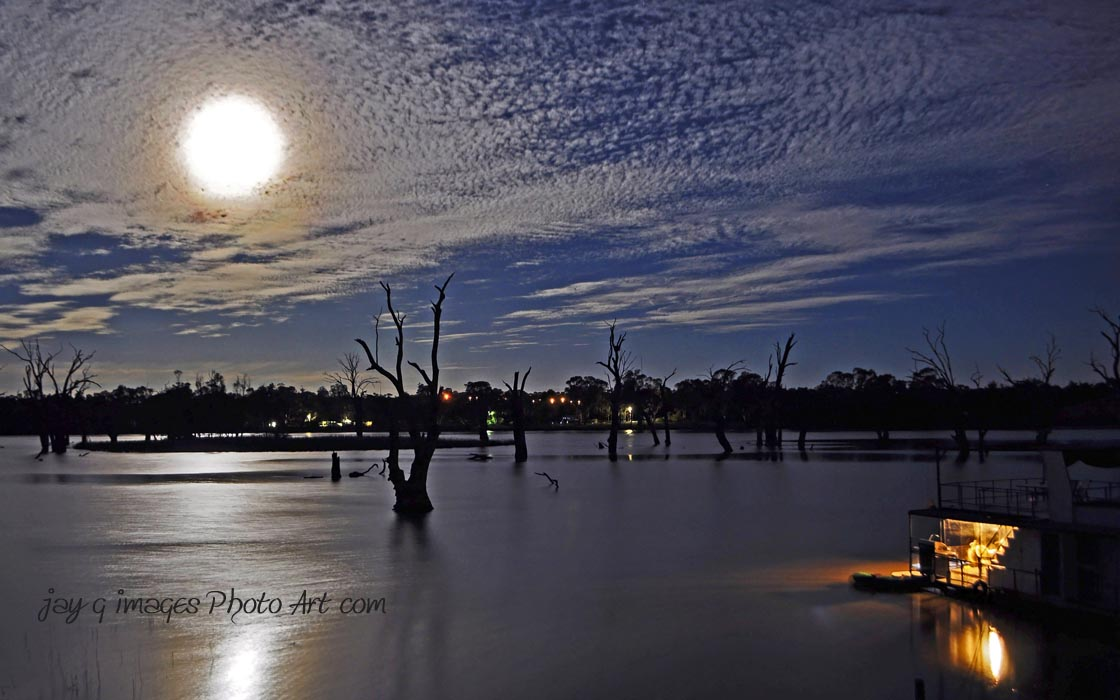 Blanchetown Moonrise